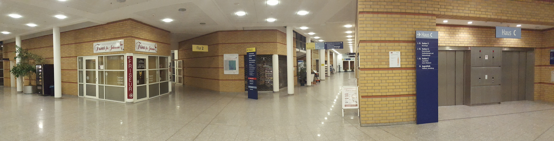 Flur im Klinikum am Berthold-Beitz-Platz in Greifswald