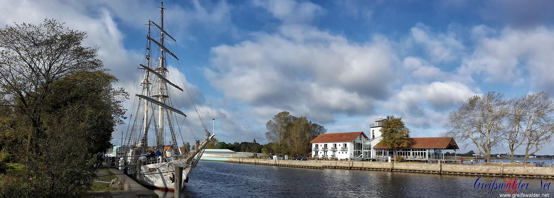 "Segelschulschiff ""Greif"" in Greifswald-Wieck"
