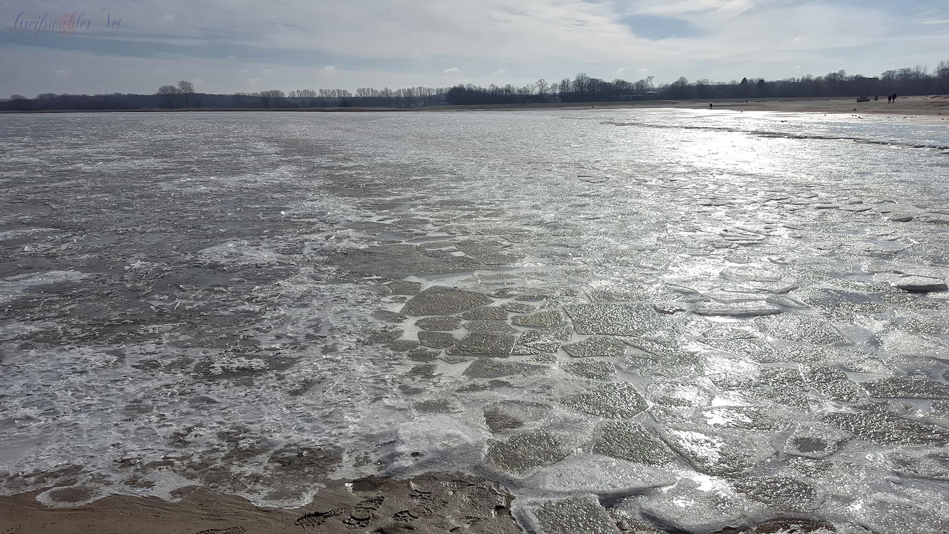 Eiszeit am Strand in Greifswald-Eldena