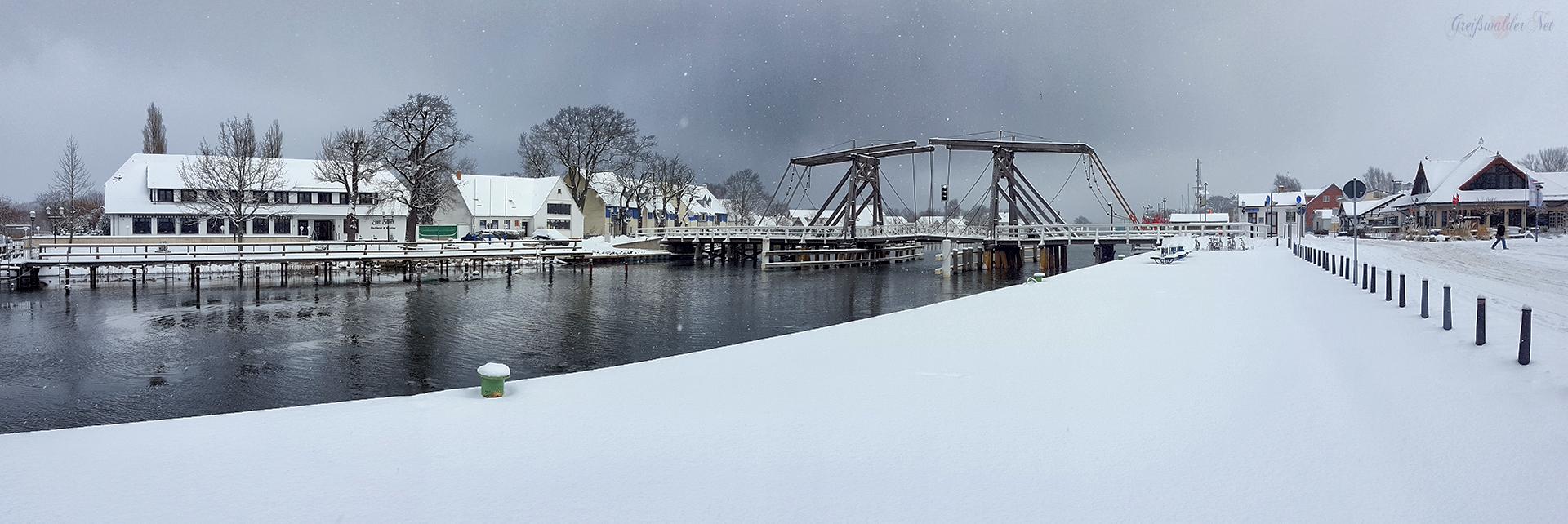 winterliches Panorama - Brücke in Greifswald-Wieck