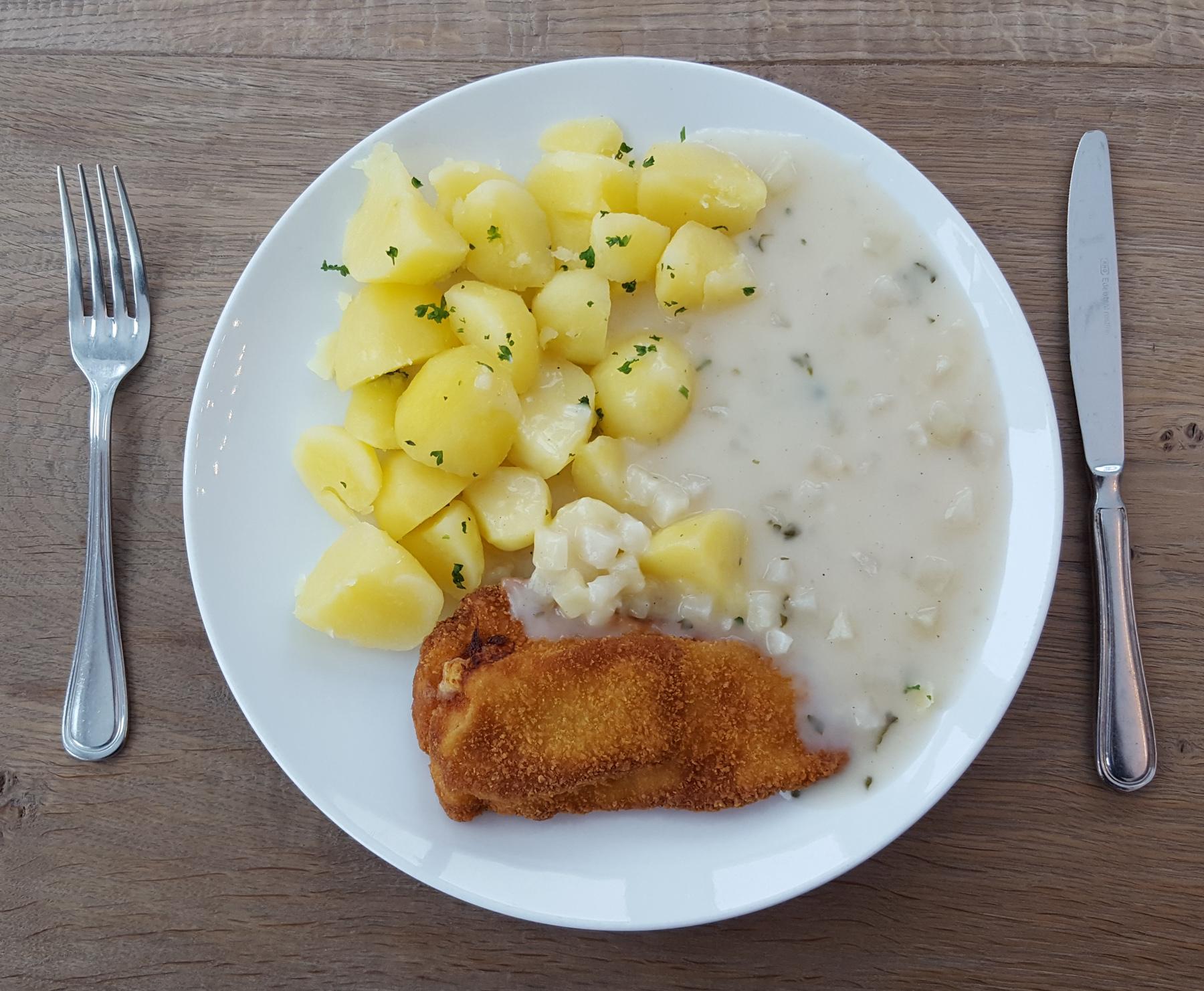 Mittagessen: Hähnchenschnitzel mit Kartoffeln und Kohlrabigemüse