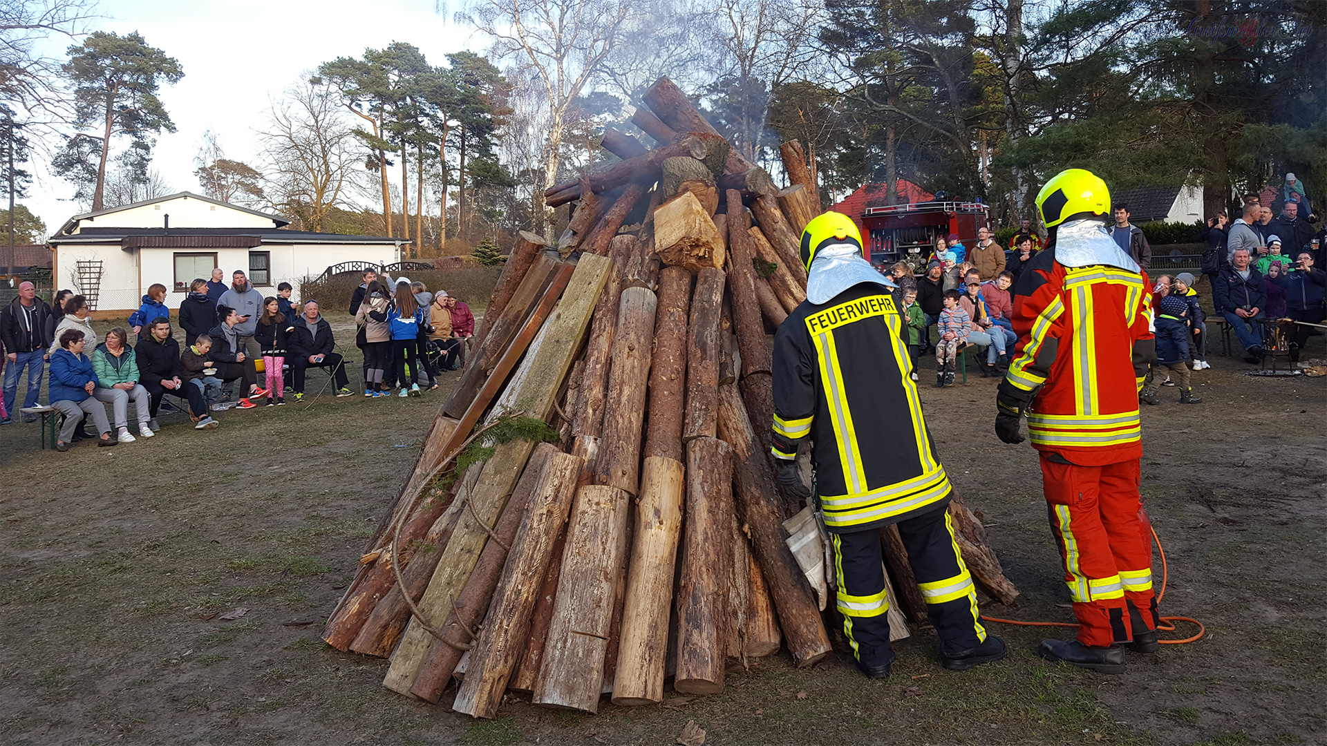Osterfeuer in Lubmin