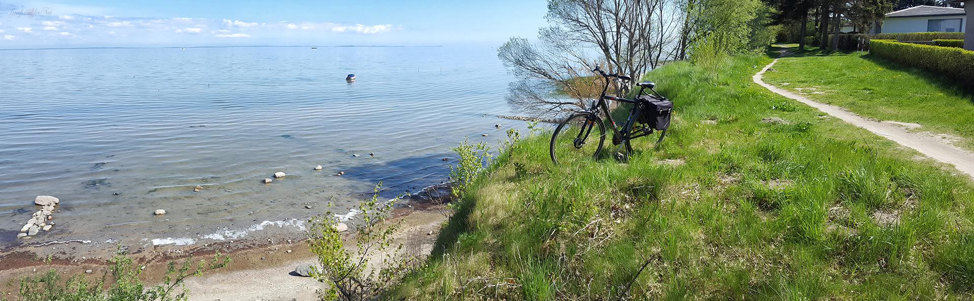 Fahrradtour am Strand bei Loissin