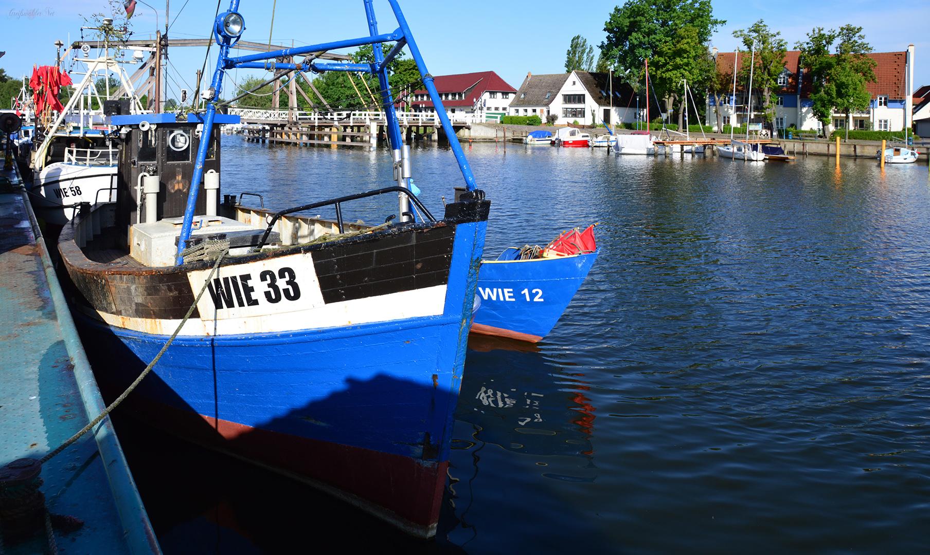 Fischerboote im Hafen von Greifswald-Wieck