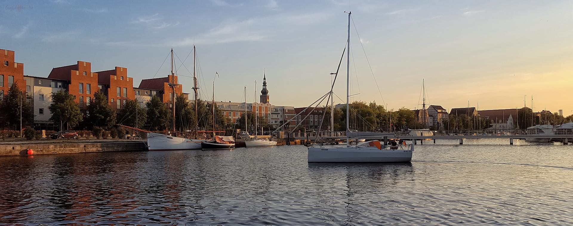 Spätsommerabend am Museumshafen in Greifswald