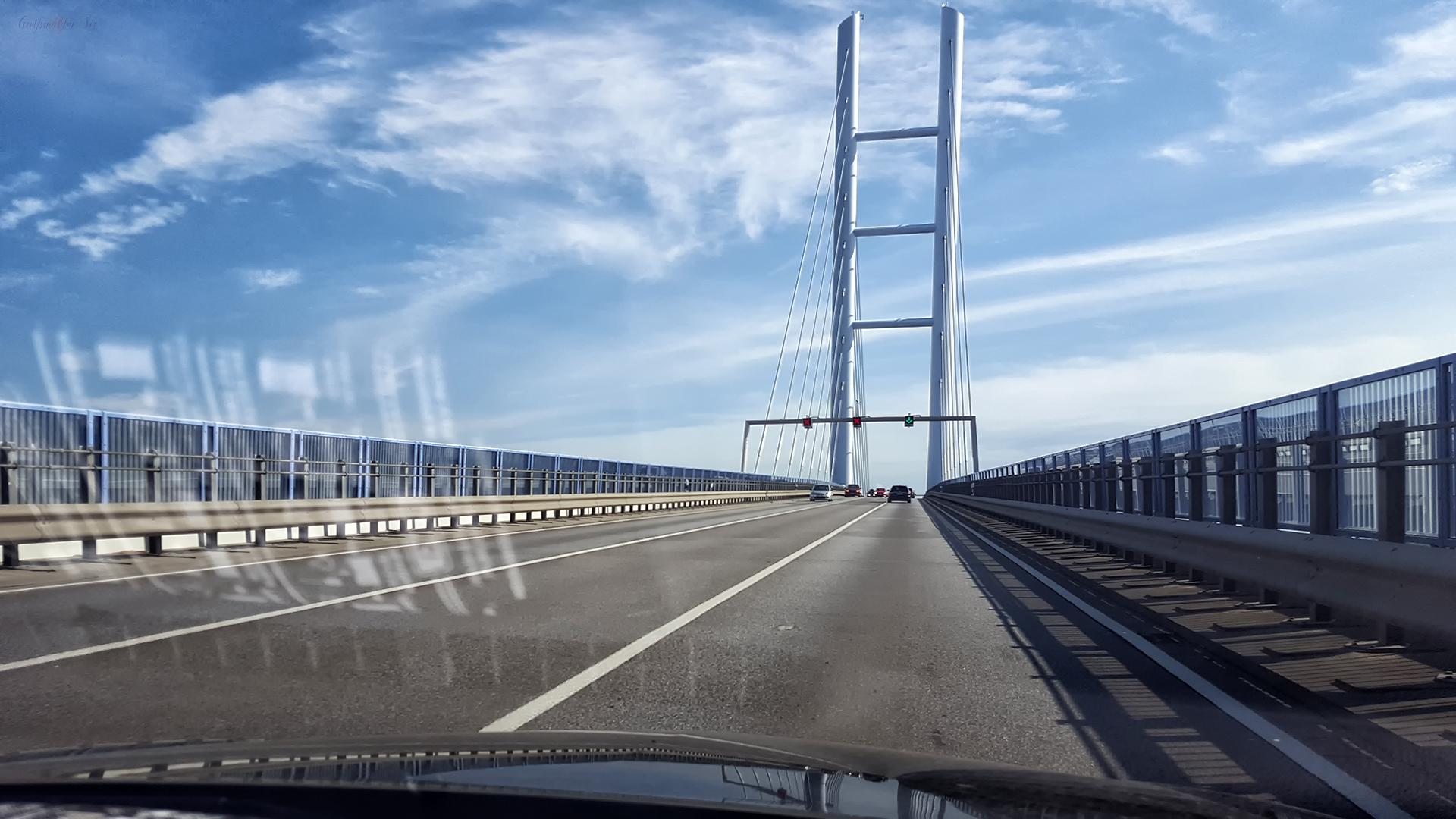 Fahrt über die Rügendammbrücke