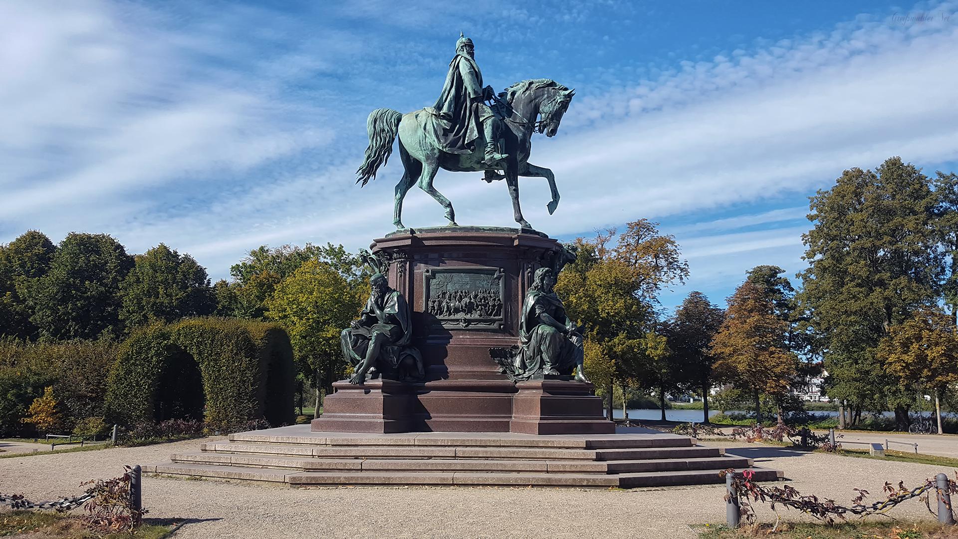 Reiterdenkmal Friedrich Franz II. im Schlossgarten Schwerin