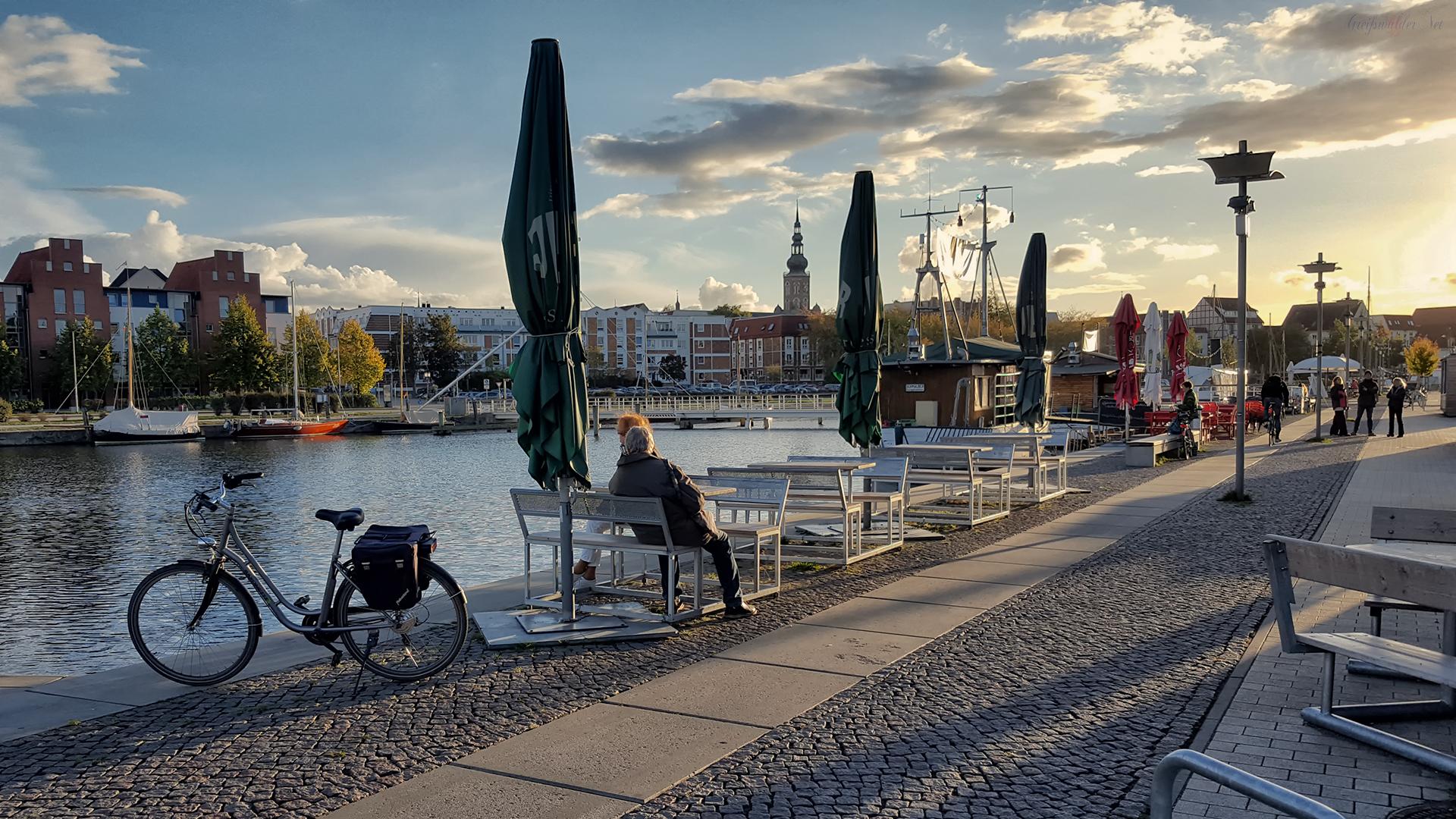 Herbstabend am Museumshafen in Greifswald