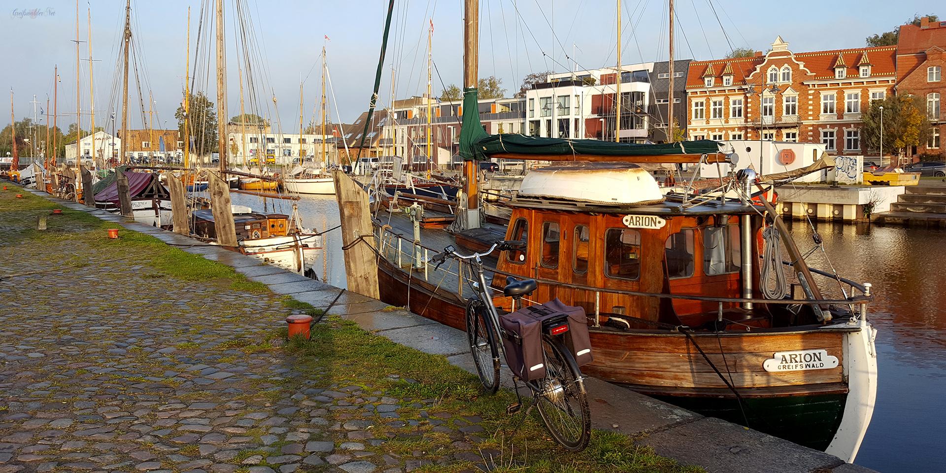 Mittwochmorgen am Museumshafen in Greifswald
