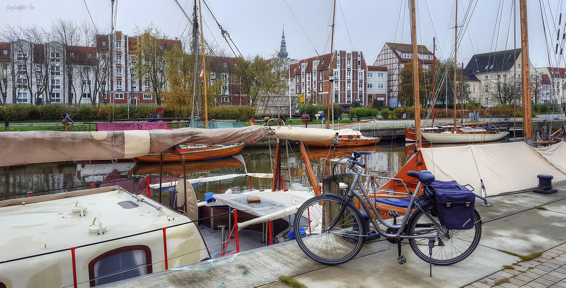 Museumshafen Greifswald im Herbst