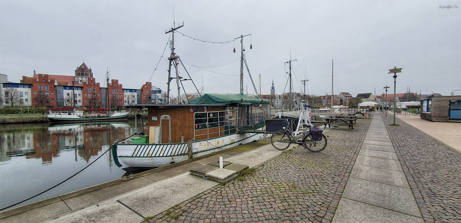 November-Sonntag am Museumshafen in Greifswald