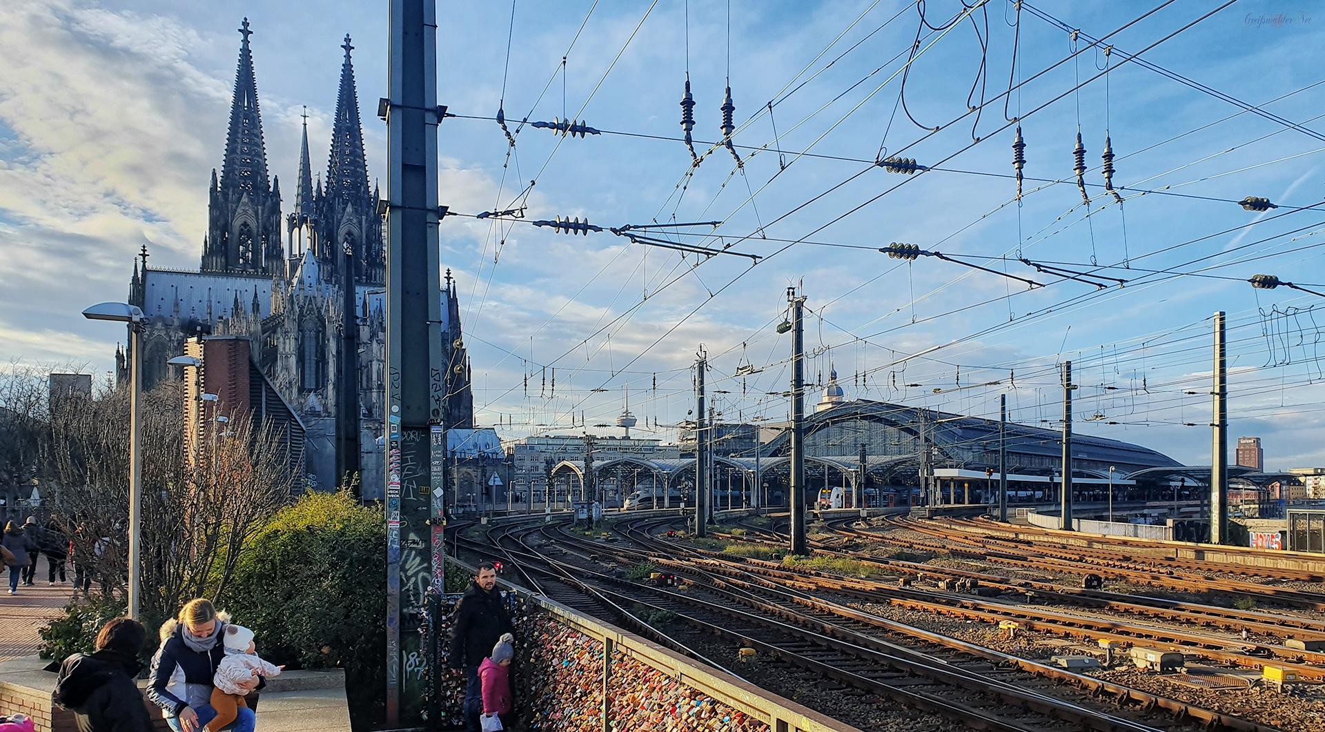 Rund um die Hohenzollernbrücke in Köln