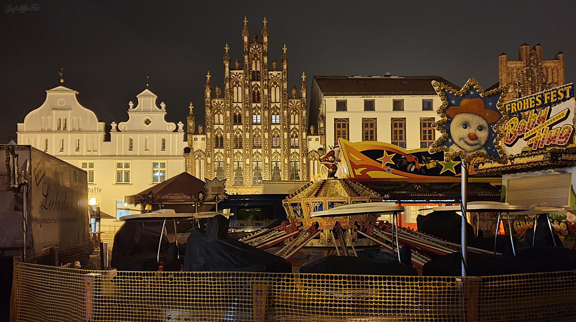 Abend auf dem Weihnachtsmarkt in Greifswald