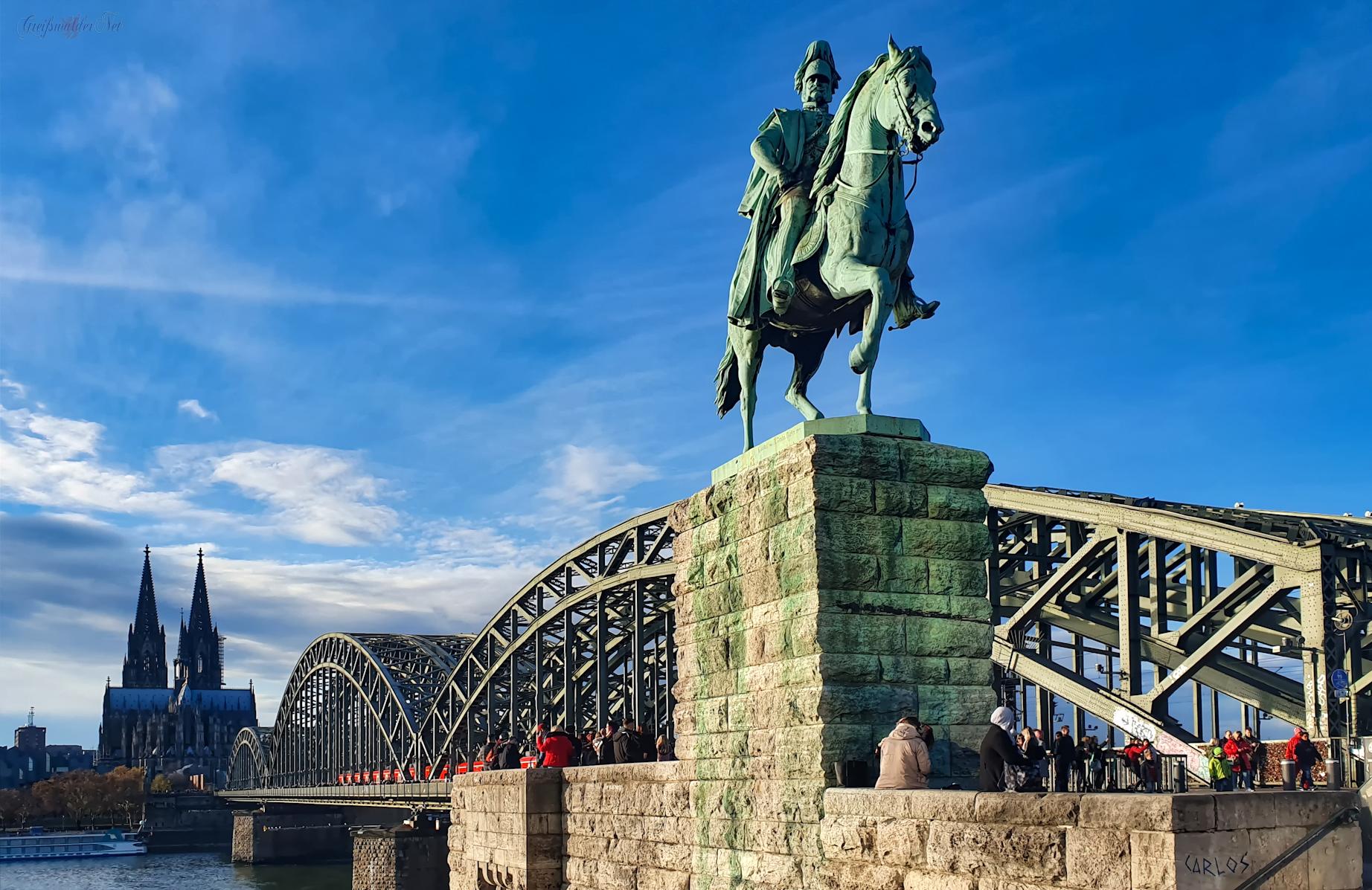 Kölner Dom, Hohenzollernbrücke und Reiterstandbild