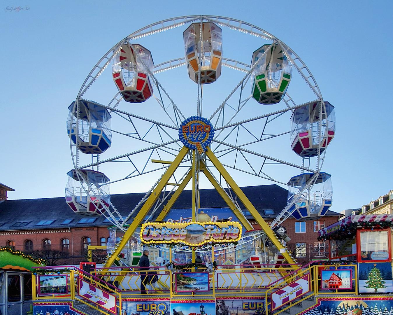 Riesenrad auf dem Weihnachtsmarkt Greifswald