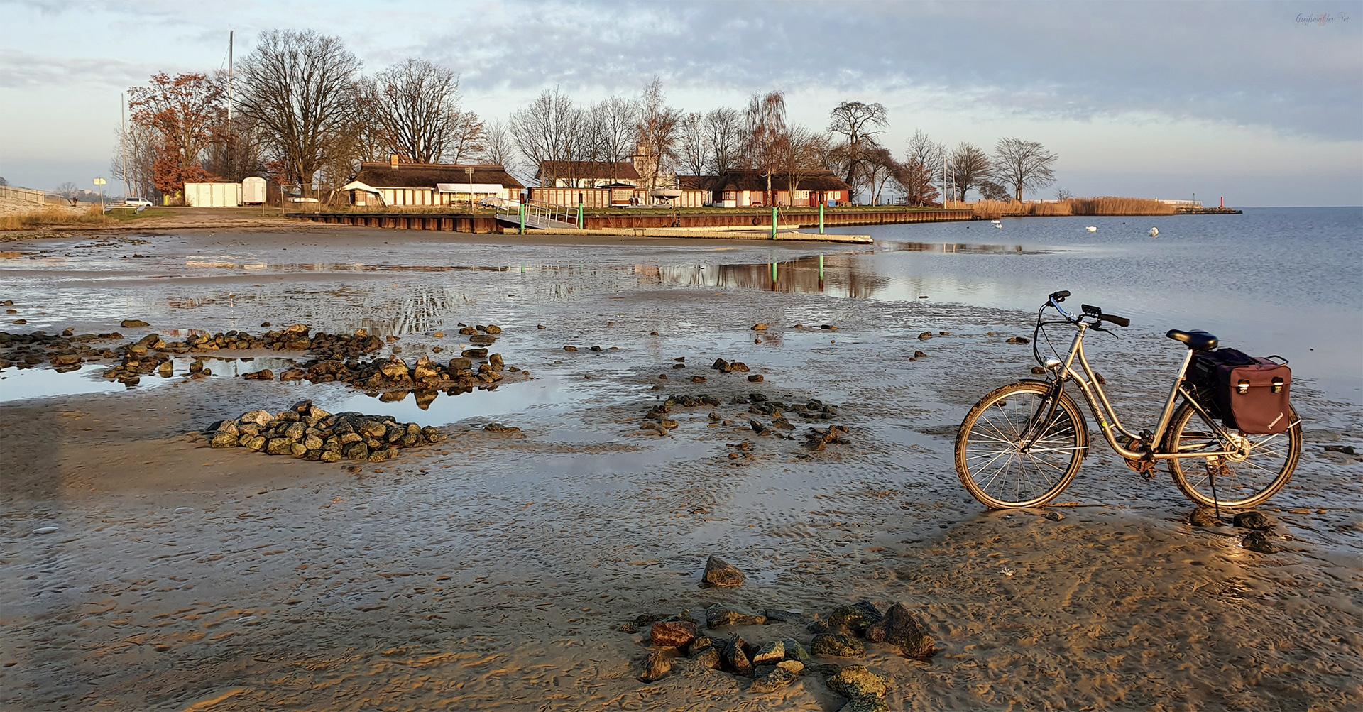 Niedrigwasser am Strand in Greifswald-Eldena