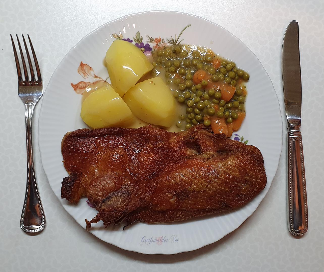 Ente mit Mischgemüse und Kartoffeln