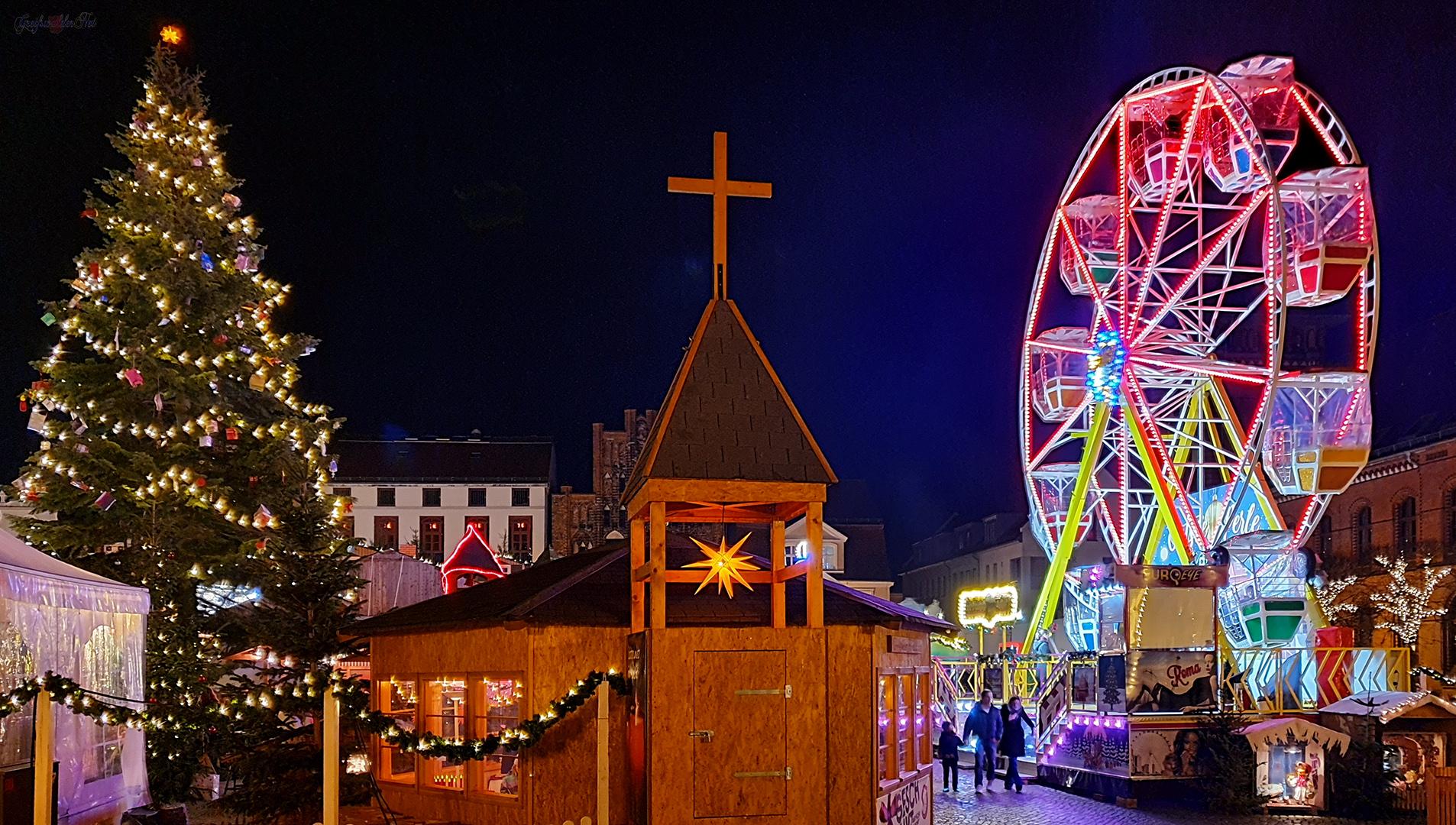 Weihnachtsmarkt Greifswald am Abend