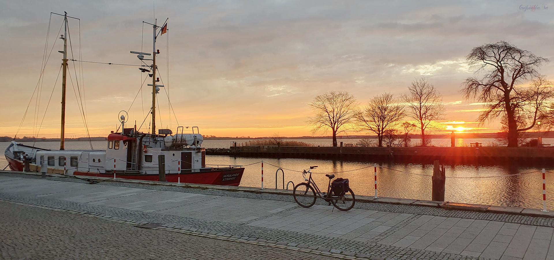 Sonnenaufgang bei 0°C in Greifswald-Wieck