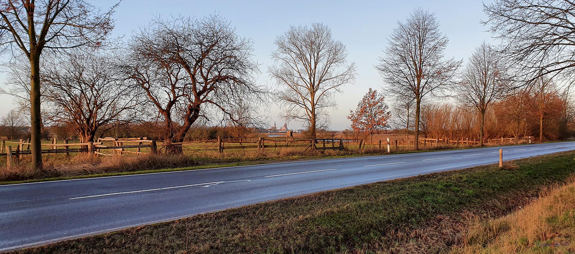Ladebower Chaussee - Blick auf Greifswald