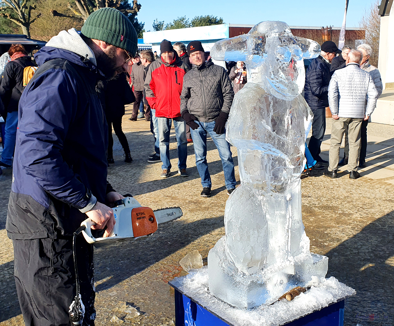 Eisskulpturen herstellen in Zinnowitz, Eis in Flammen - Eisbildhauerevent im Ostseebad Zinnowitz