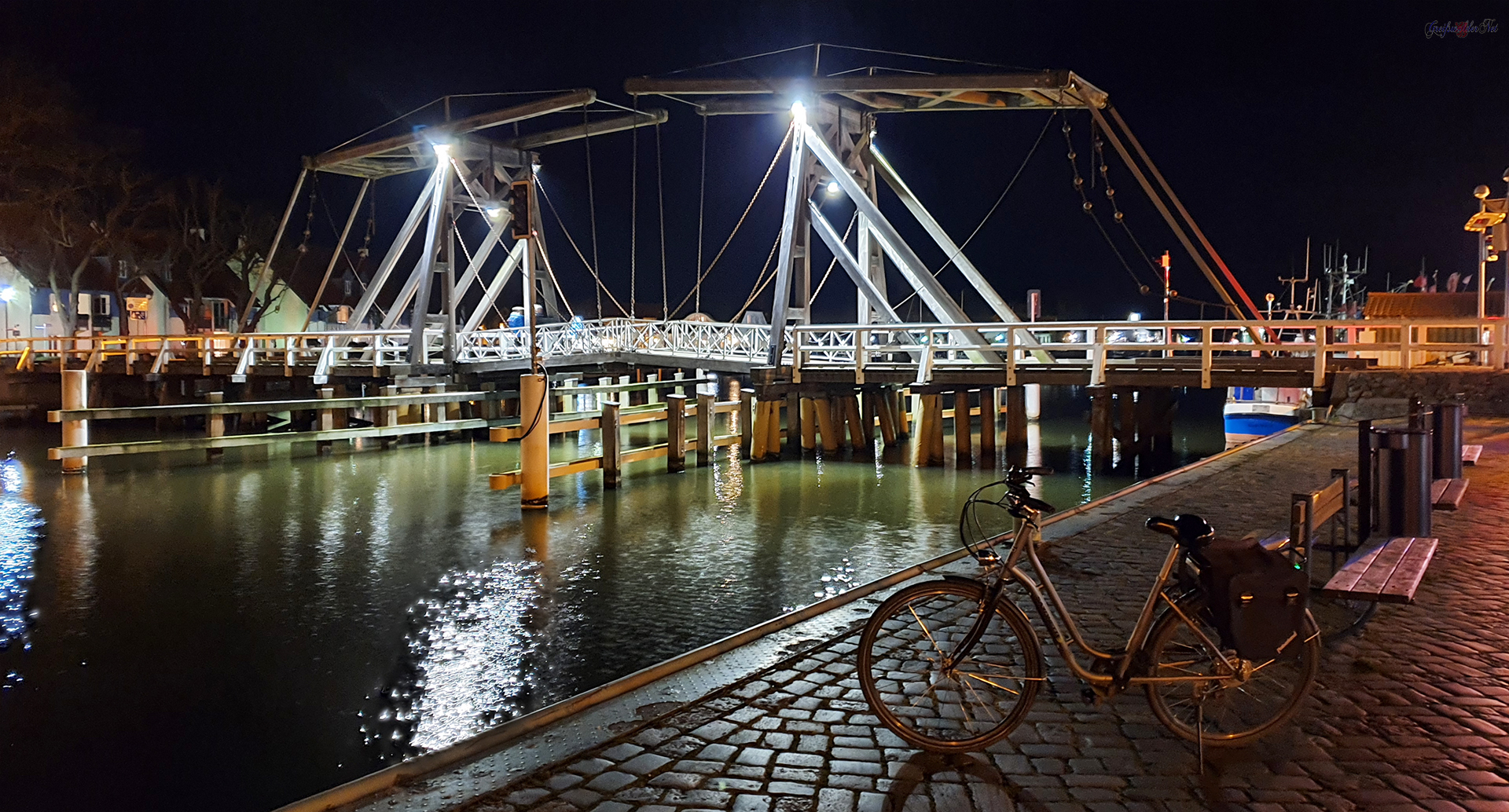 Abend an der Holzklappbrücke in Greifswald-Wieck