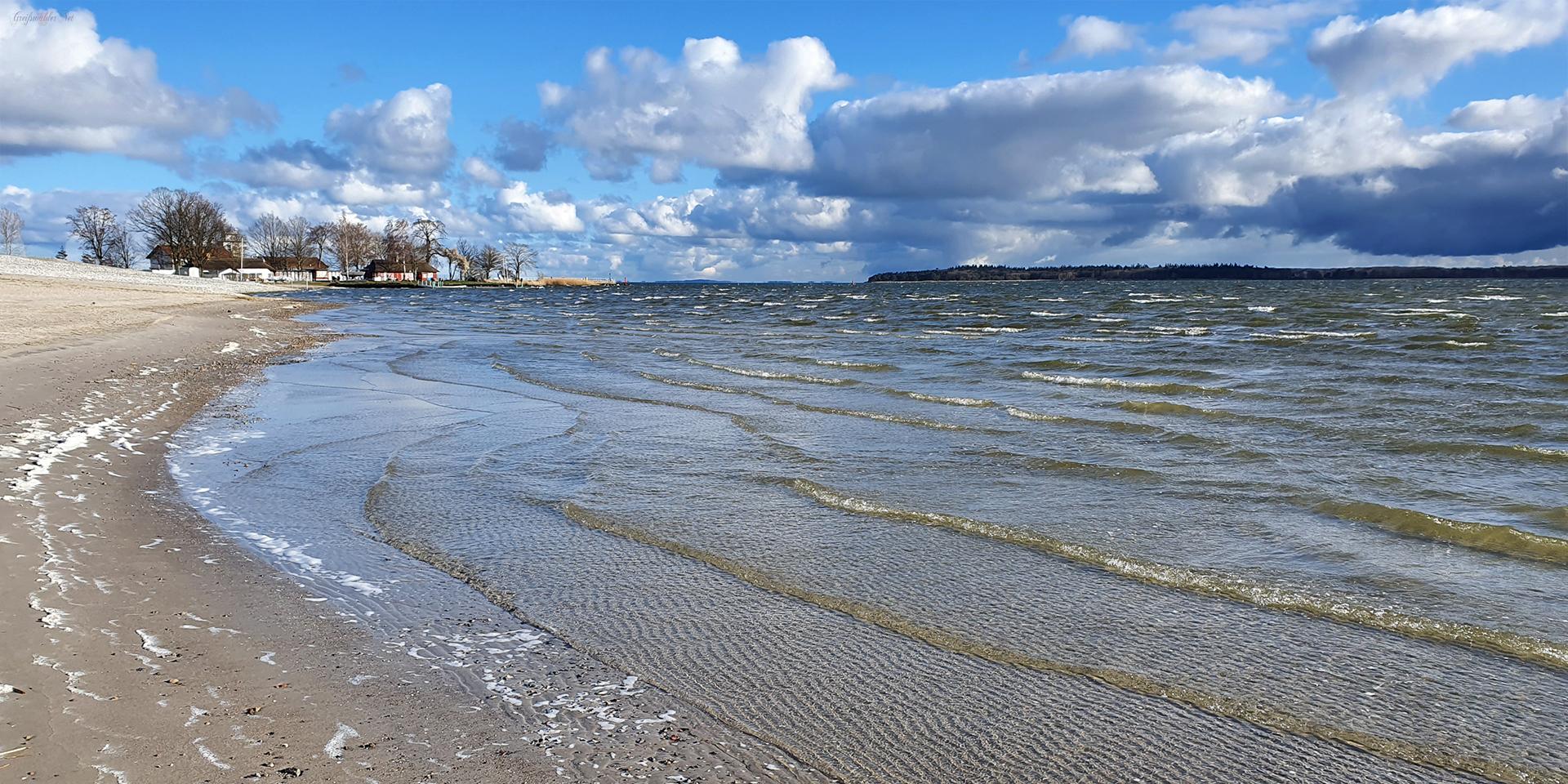 Strand in Greifswald-Eldena - sonnig, windig, kalt