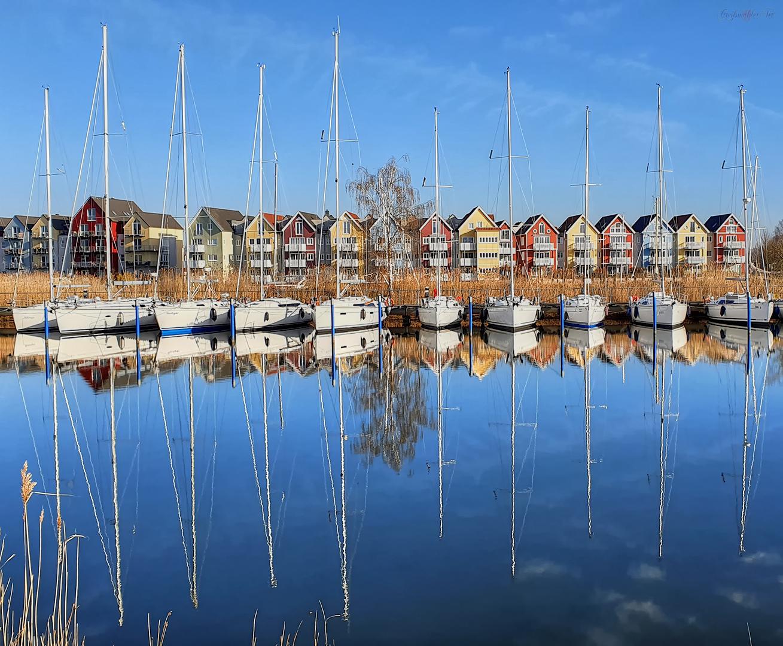 Spiegelung am Ryck in Greifswald