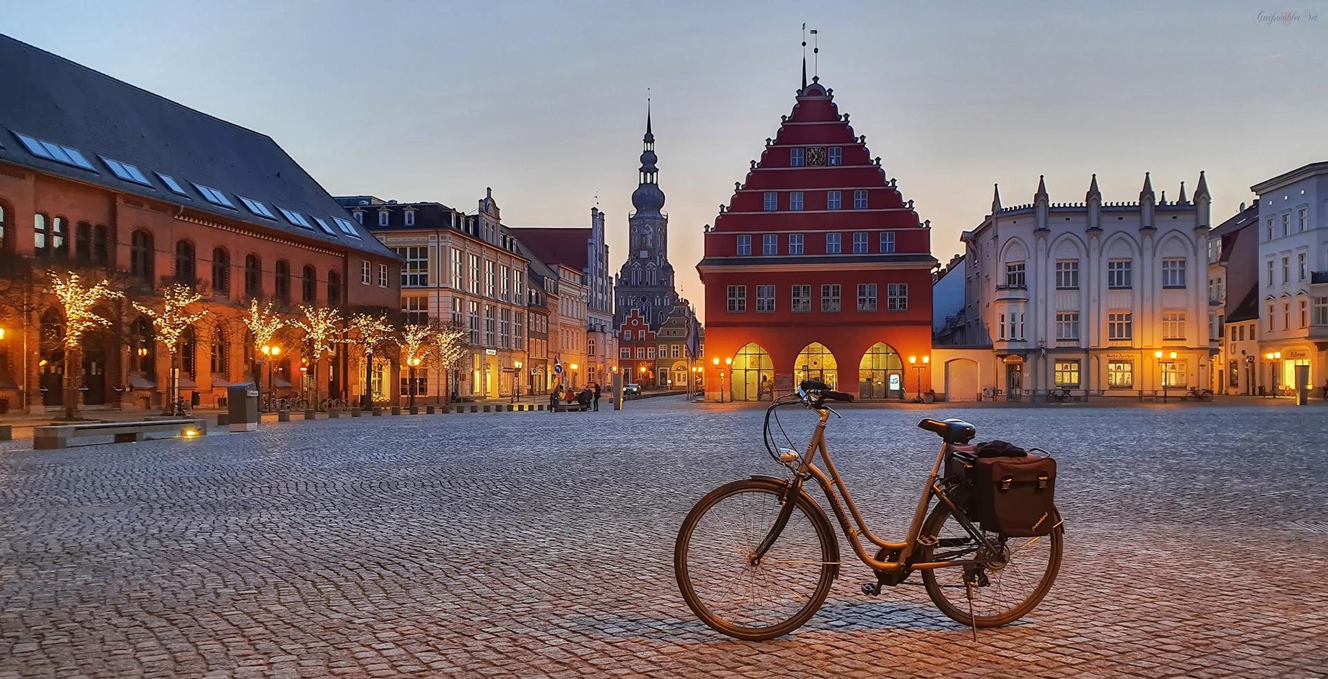 Marktplatz Greifswald am Abend