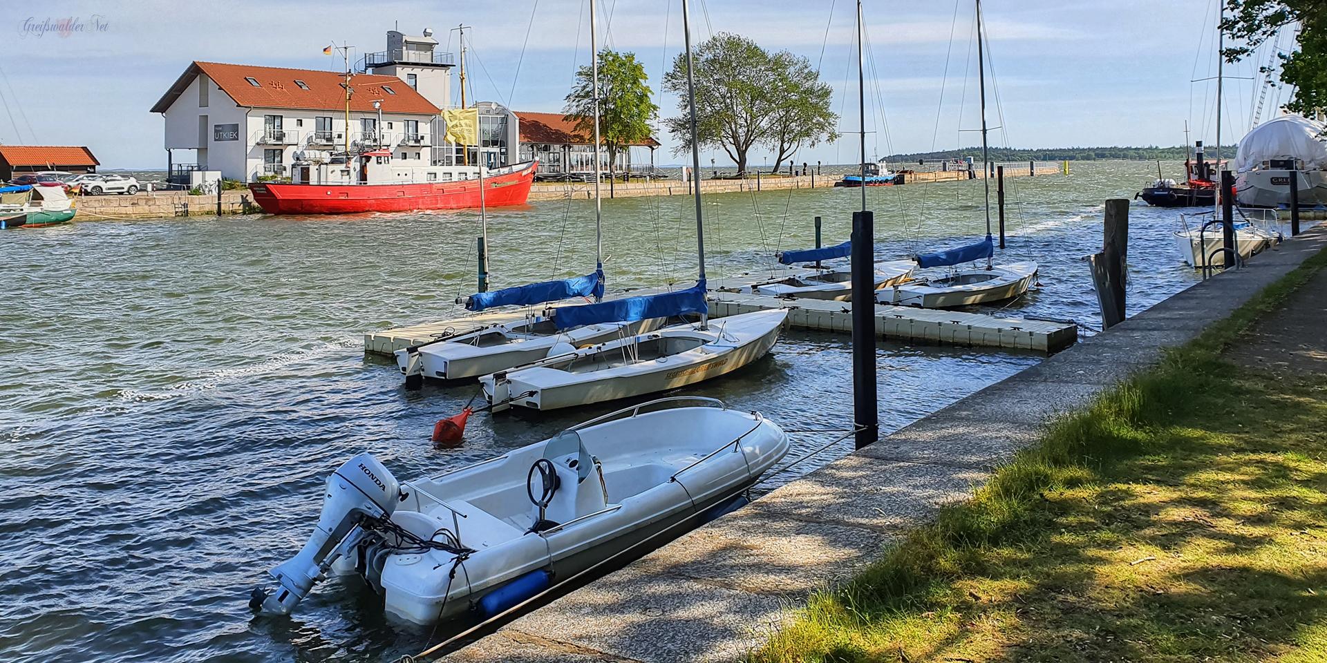 Böig auffrischender Nordwestwind in Greifswald-Wieck