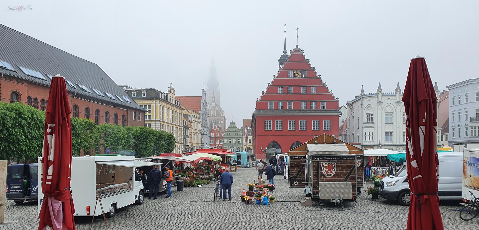 Freitag auf dem Marktplatz in Greifswald