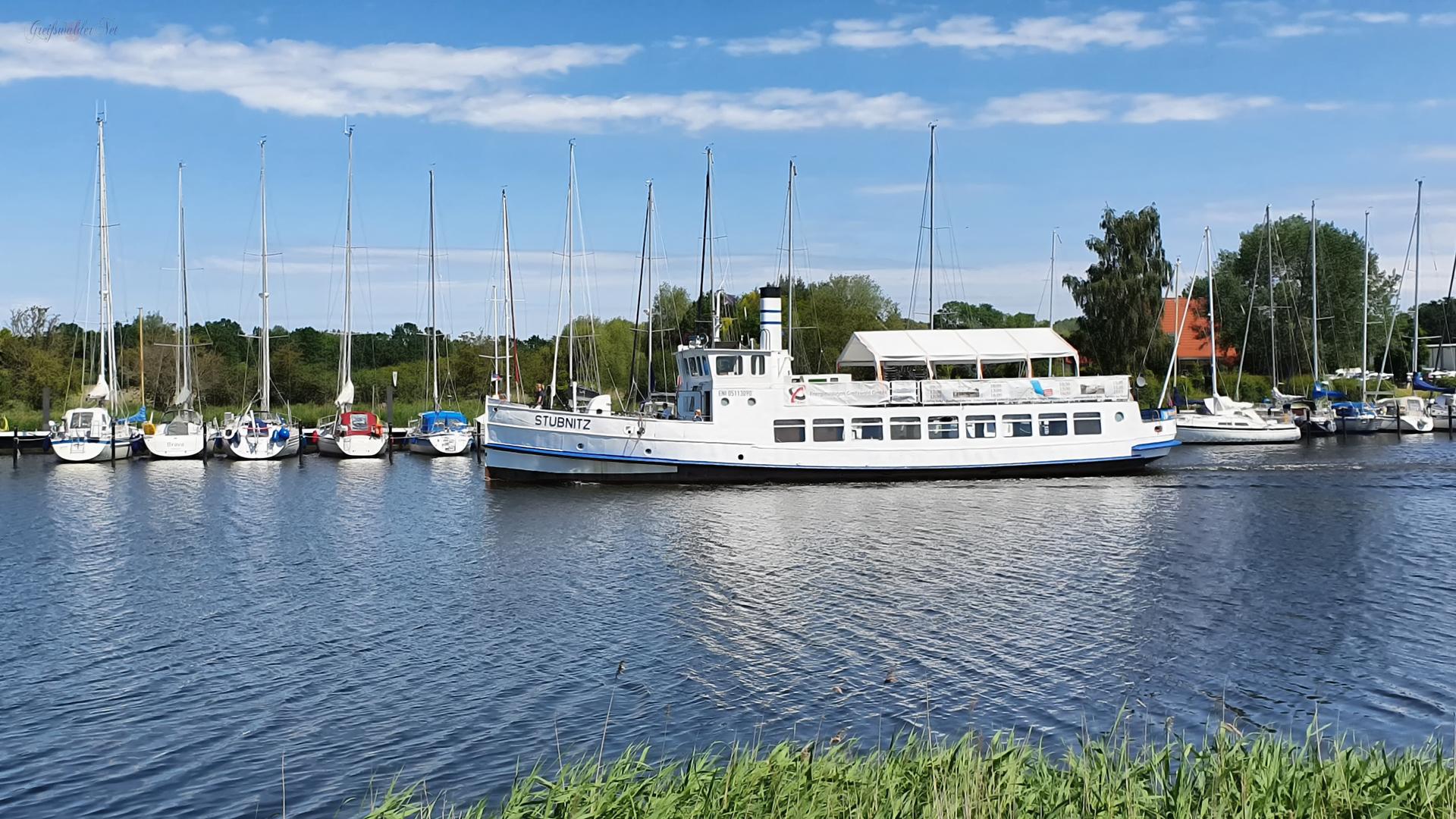 MS Stubnitz auf dem Ryck