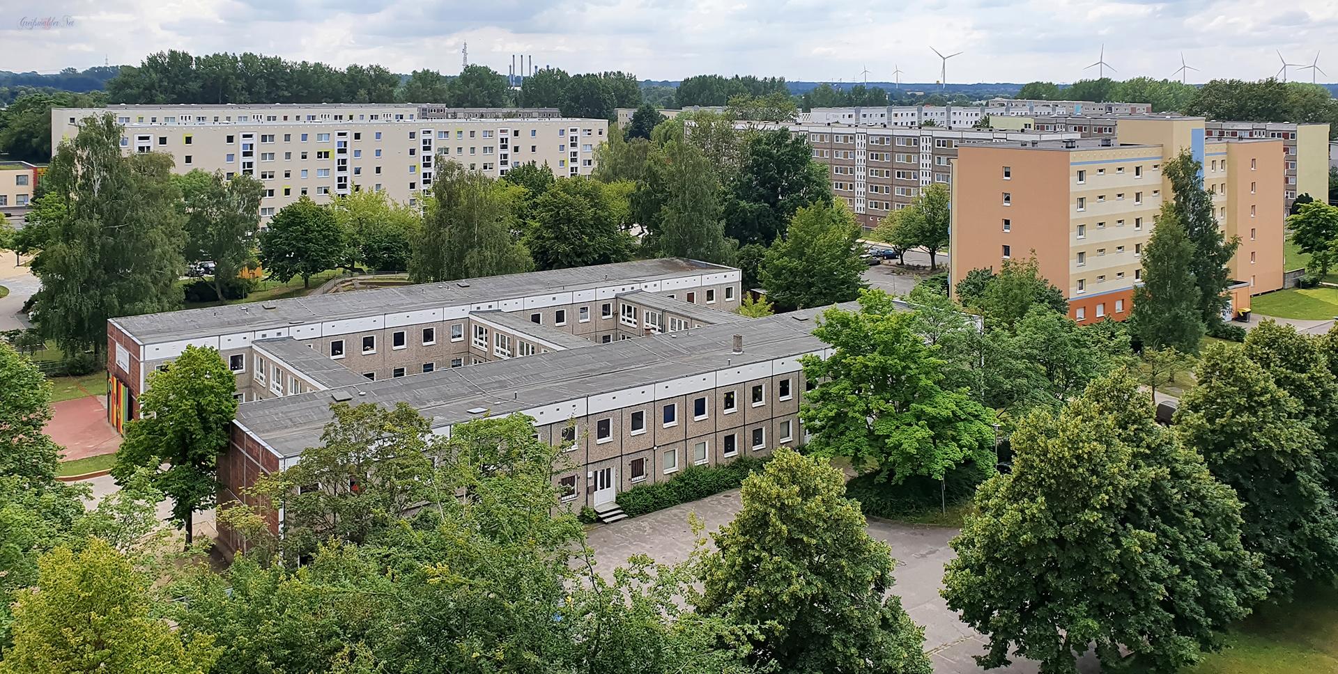 Blick von einem Hochhaus in Greifswald