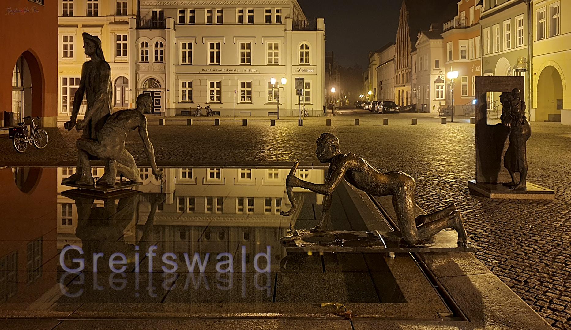 Fischerbrunnen in Greifswald bei Nacht