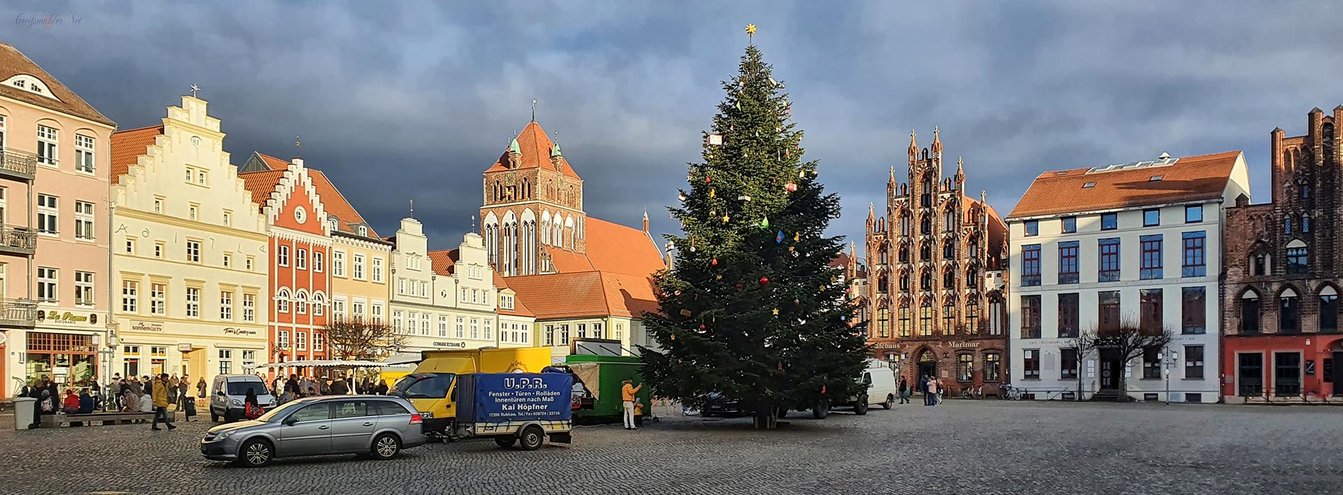 Adventssamstag auf dem Marktplatz in Greifswald