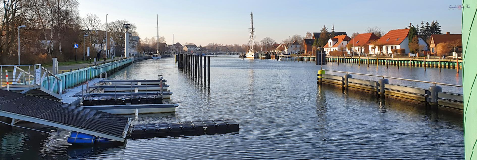Kleine Fahrradtour am Samstagvormittag, Am Sperrwerk - Hafen in Greifswald-Wieck