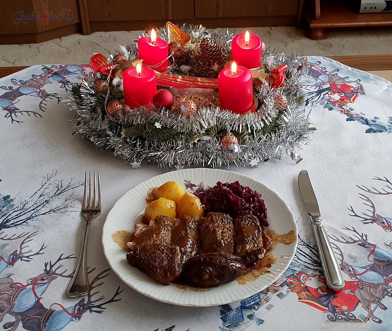 Festtagsessen am 2. Weihnachtsfeiertag , Barbarie Entenbrust mit Kartoffeln und Rotkohl